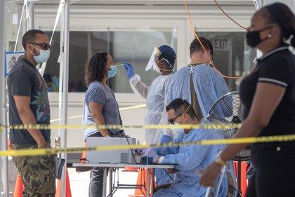 Desde el 1 de marzo 593.286 personas se han contagiado y 10.405 (10.168 residentes y 137 no residentes) han fallecido por COVID-19 en Florida. EFE/Cristóbal Herrera/Archivo