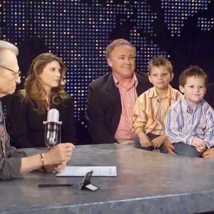 Larry King con sus hijos. Fue una de las fotos que compartió el presentador para recordar a Andy y Chaia (IG: @larrykingnow)