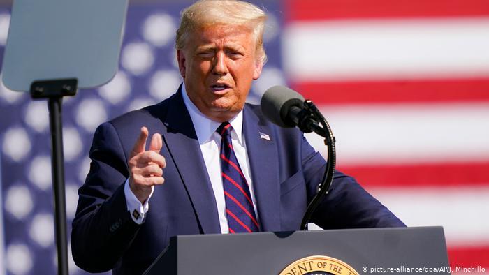 USA | Pennsylvania | Trump Wahlkampfauftritt in Old Forge (picture-alliance/dpa/AP/J. Minchillo)
