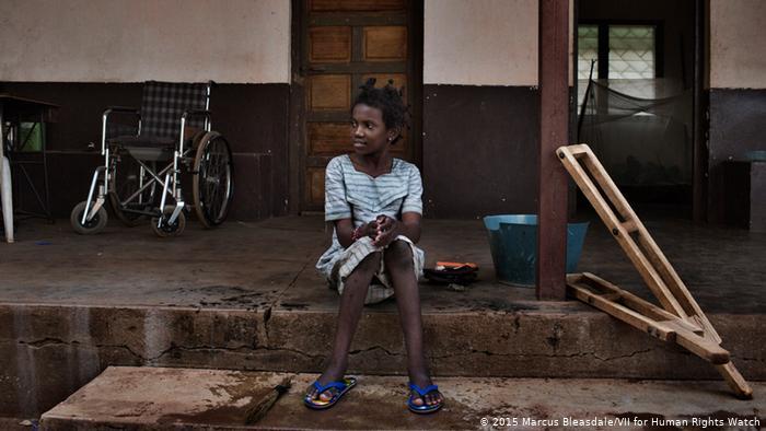 Zentralafrikanische Republik - Polio-Überlebende Hamamatou EINSCHRÄNKUNG (2015 Marcus Bleasdale/VII for Human Rights Watch)