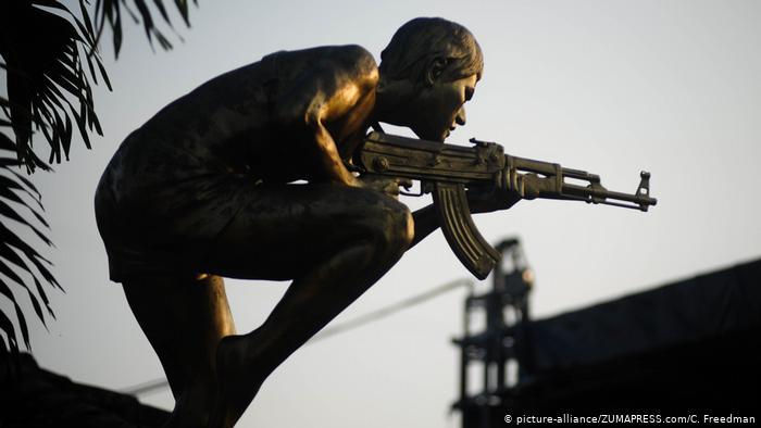 Foto simbólica de estatua en Jocoaitique, El Salvador