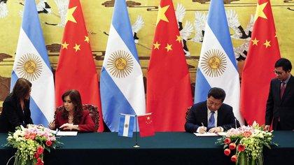 El acuerdo por la Estación de Espacio Lejano fue rubricado por los Gobiernos de Cristina Fernández de Kirchner y Xi Jinping (EFE)