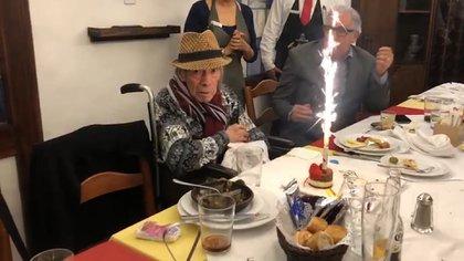 El comediante se rodeó de sus seres queridos para celebrar su último cumpleaños el pasado 29 de enero Foto: Especial.