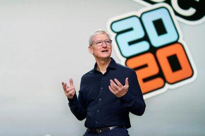 El CEO de Apple, Tim Cook, durante la Conferencia Mundial de Desarrolladores de Apple 2020 (WWDC) en el Teatro Steve Jobs en Cupertino, California (Foto: EFE)