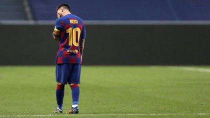 Lionel Messi se debate su futuro futbolístico (Foto: AFP)