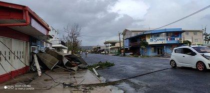 Así quedó una calle en Luganville, Vanuatu, tras el paso del ciclón Harald, el 6 de abril de 2020 (GARCIA SEDON GHELYNN via REUTERS)