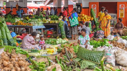 Un mercado en Port Vila (Shutterstock)