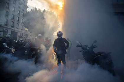 El referendum para la reforma constitucional convocado tras semanas de disturbios, fue pospuesto para el 25 de octubre. (Photo by JAVIER TORRES / AFP)