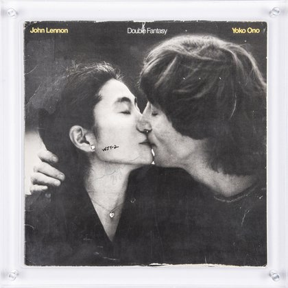 El disco autografiado por John Lennon que será subastado (https://goldinauctions.com/)