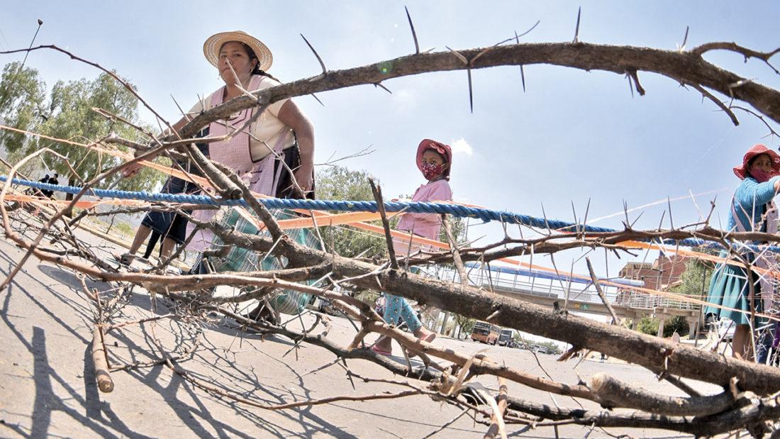 Un bloqueo de padres de familia en la zona sur de Cochabamba.