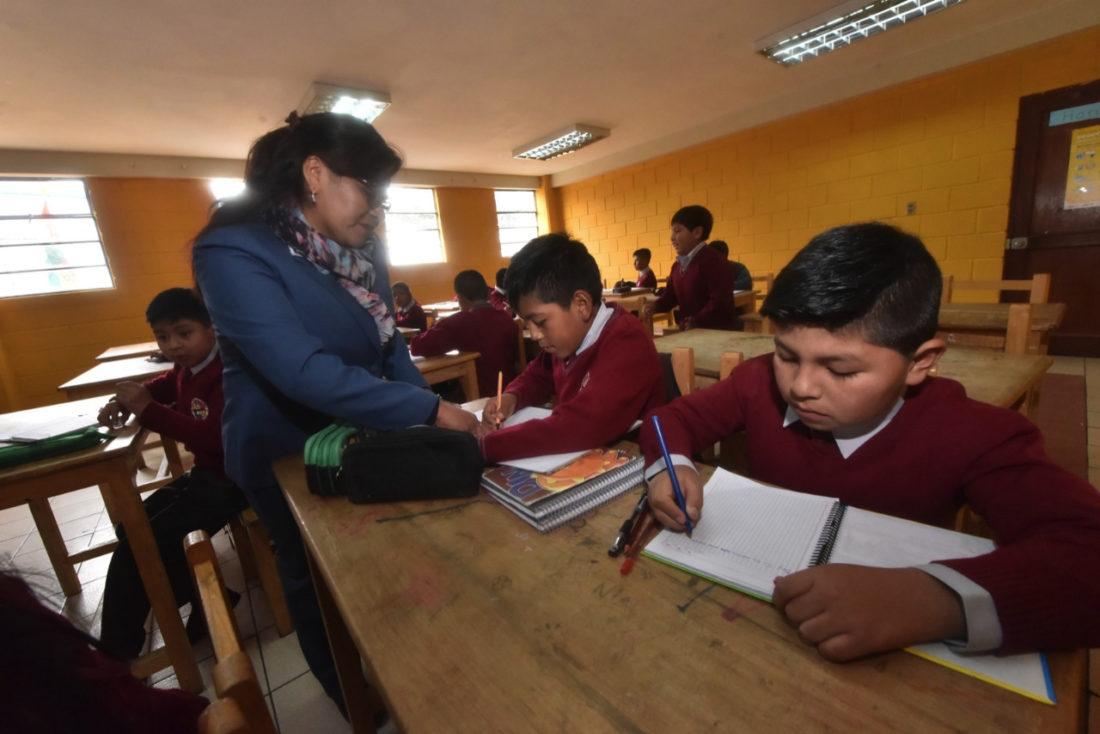 Educación perfila clases semipresenciales para la próxima gestión escolar - La Razón   Noticias de Bolivia y el Mundo