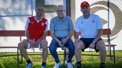 Alejandro Sabella en una visita a Javier Mascherano y Gaby Milito en Estudiantes de La Plata.