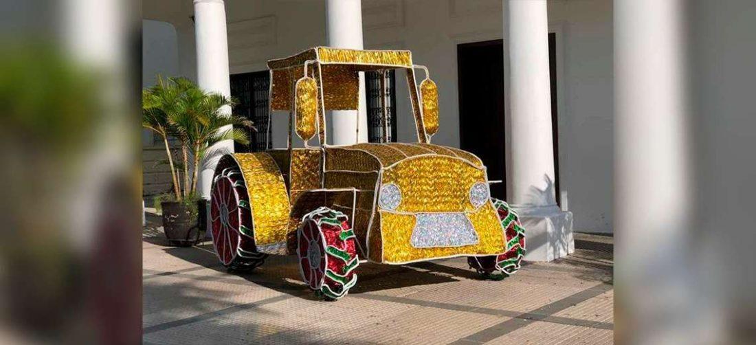 Foto: El tractor amarillo está cerca al edificio de la Alcaldía Municipal