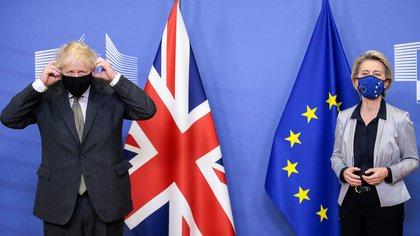 Boris Johnson y Ursula von der Leyen en Bruselas. Olivier Hoslet/Pool via REUTERS