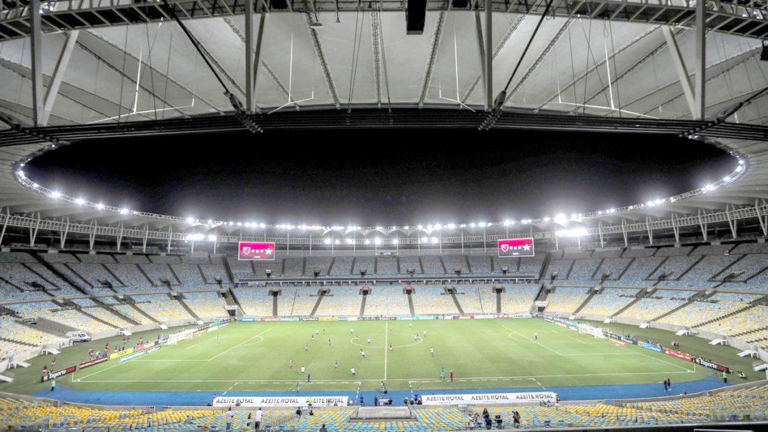 En la imagen un regitro del legendario estadio Maracana de en Río de Janeiro (Brasil). EFE