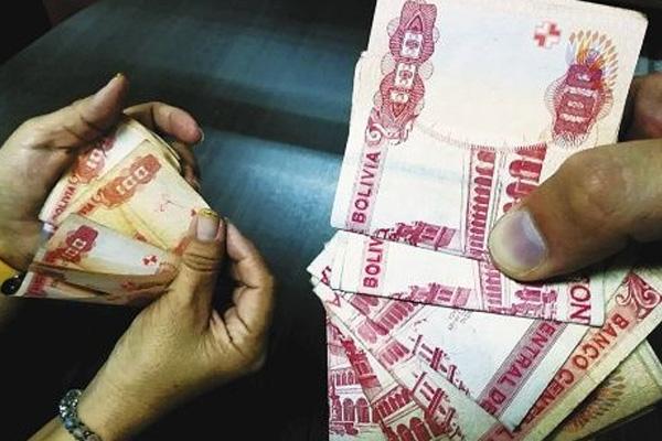 Dinero en bolivianos Foto: Internet