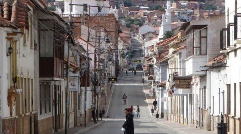 """COEM declara """"alerta máxima"""" en Sucre por aumento de contagios en el país"""