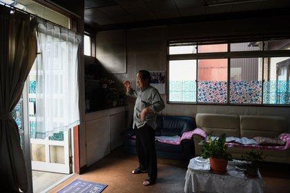 Ichio Kuro, un barbero, dentro de su tienda vacía en Gojome, Prefectura de Akita, Japón, el viernes 6 de septiembre de 2019 (Bloomberg)