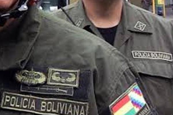 Policía boliviana Foto: Radio Éxito