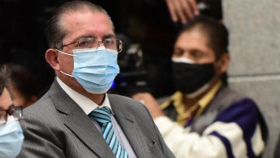 El ministro de Salud Edgar Pozo. (cortesía La Razón)