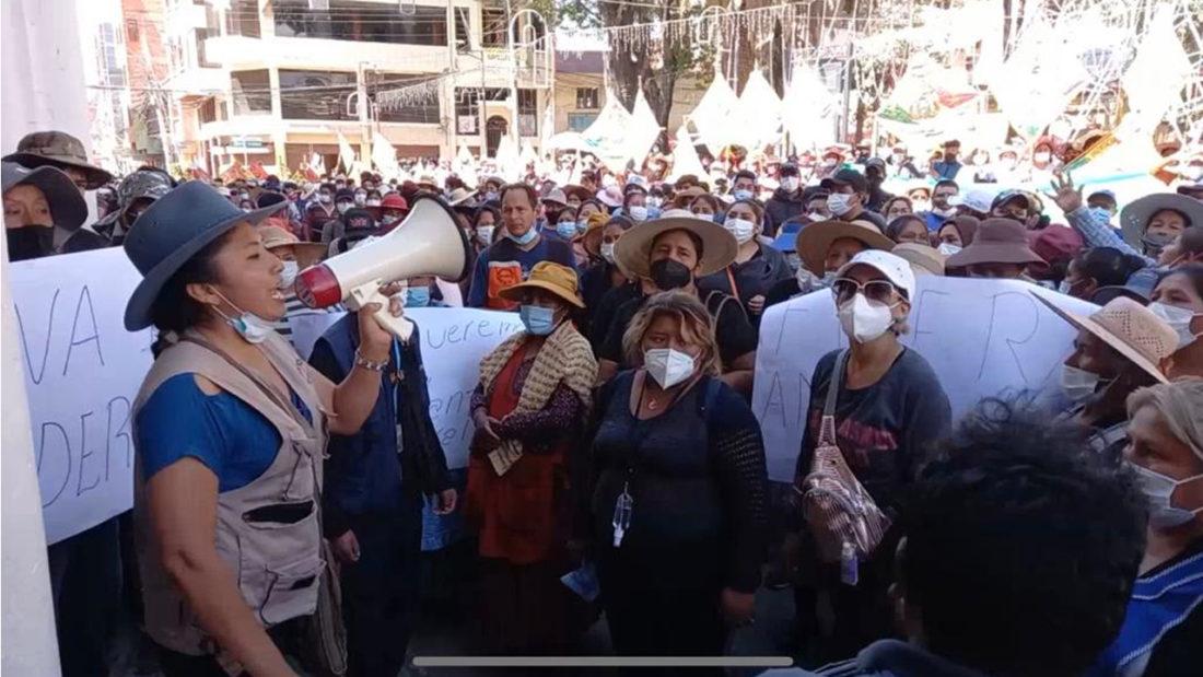 La protesta frente a la Alcaldía de Quillacollo, el pasado miércoles 23 de diciembre. Captura.