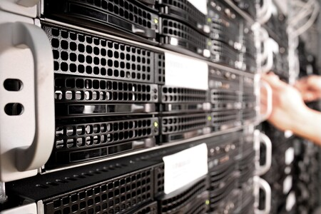 Server 1235959 1920 1
