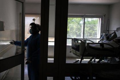 """""""El sospechoso se molestó cuando la víctima comenzó a rezar. Luego golpeó a la víctima con un tanque de oxígeno"""", agregó la policía (Foto: EFE/Juan Ignacio Roncoroni)"""