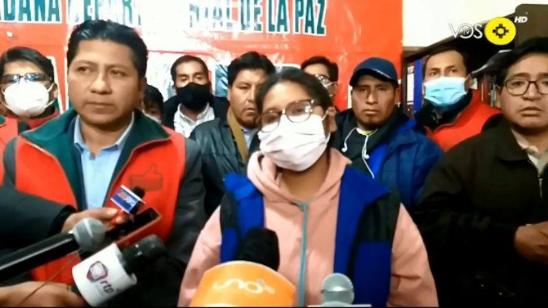 Copa acepta ser candidata por Jallalla La Paz y llora al dejar al MAS