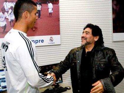 El astro portugués y su publicación con Maradona, lo más viral del 2020