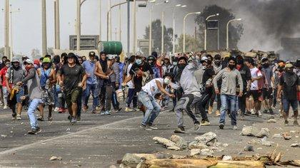 Bloqueo en la carretera Panamericana en Ica, al sur de Lima (AFP)