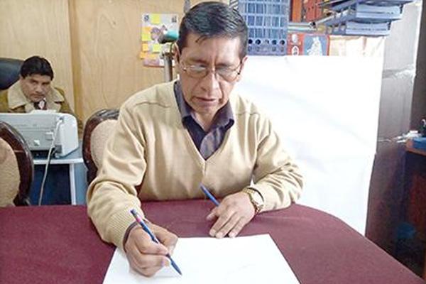 Francisco López Jefe de la Unidad de límites de la Gobernación de Oruro Foto: PERIÓDICO LA PATRIA