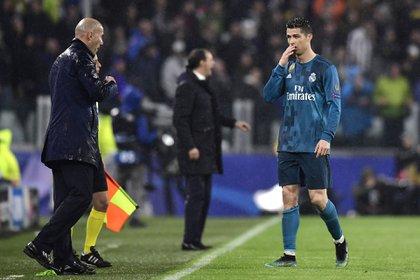 Mourinho explotó al máximo el poder ofensivo de Cristiano Ronaldo pero fue Zidane que lo convirtió en delantero y lo convenció de gestionar sus minutos (Foto: AFP)