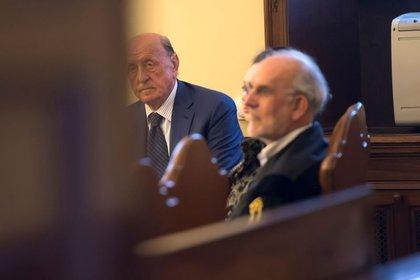 Foto de archivo de Angelo Caloia, ex jefe del Instituto de Obras de Religión (IOR), en una audiencia en su juicio en el Vaticano. May 9, 2018 (Osservatore Romano/Handout via REUTERS)