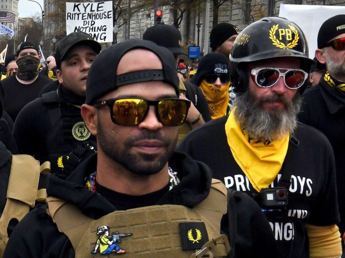El líder del grupo de extrema derecha Proud Boys, Enrique Tarrio, en una marcha el 12 de diciembre en Washington.