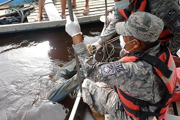 Rescate de cuerpo sin vida en el rio Manuripi Foto: ARMADA EN ACCIÓN