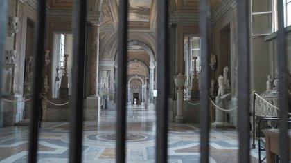 Corredor vacío dentro de los Museos Vaticanos en captura de imagen tomada de un video sin fecha en la Ciudad del Vaticano. Musei Vaticani/Entregada vía Reuters