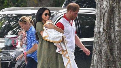 Meghan Markle con Archie y el príncipe Harry (The Grosby Group)