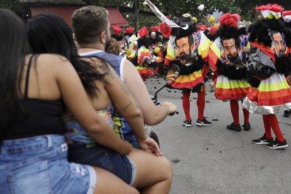 Fiestas no autorizadas de carnaval en Rio de Janeiro (Reuters)