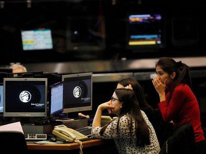 El 87% de los consumidores están experimentando temores financieros (Foto: Reuters)