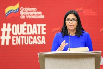 Fotografía cedida por la oficina de prensa de Miraflores donde se observa a Delcy Rodríguez, la vicepresidenta del régimen de Maduro en Venezuela. EFE / Archivo