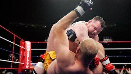 El luchador de MMA Travis Fulton está enfrentando penas de 70 años de cárcel por pornografía infantil y explotación sexual.