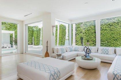 El amplio living de la casa de Shakira (The Grosby Group)