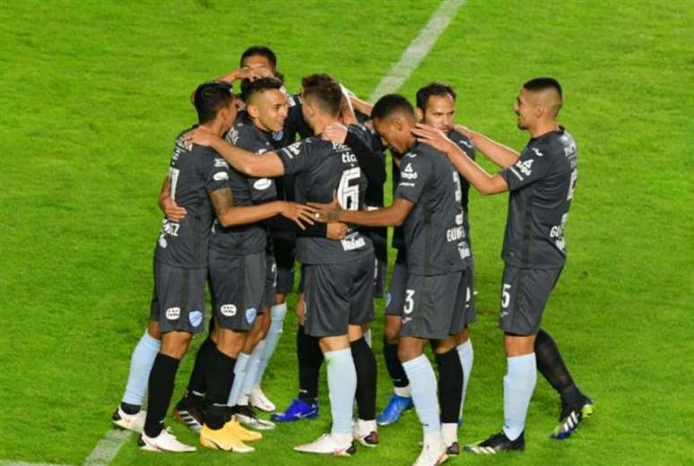 Los jugadores de Bolívar celebran el gol anotado por Ramos. Foto: APG Noticias