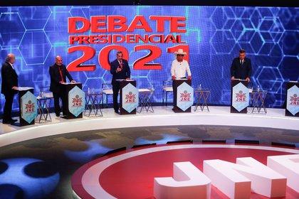 Los candidatos que debatieron en la segunda jornada (Reuters)