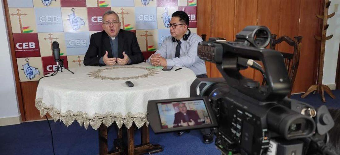 El padre Fuentes presentó la temática de la Asamblea de Obispos de Bolivia