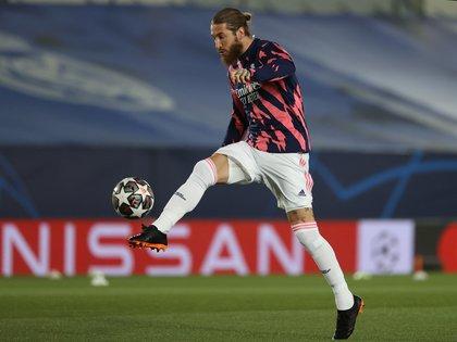 El defensa del Real Madrid Sergio Ramos dio positivo de COVID-19 (Efe)