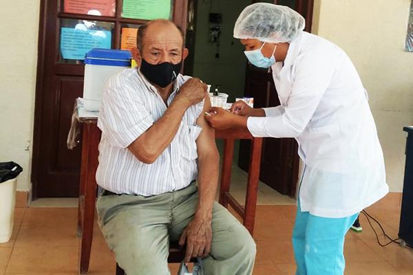 Centro de vacunación Covid-19 /Vacuna adulto mayor/ Imagen de referencia/ Foto: REDES SOCIALES