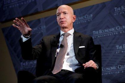 """Jeff Bezos, presidente y director ejecutivo de Amazon y propietario de The Washington Post, habla en el Economic Club of Washington DC en Washington, en una foto de archivo. El CEO de la empresa digital escribió su última """"Carta anual a los accionistas"""" (Reuters)"""