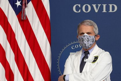 Anthony Fauci, director del Instituto Nacional de Alergias y Enfermedades Infecciosas, en la Casa Blanca, Washington, 25 de febrero de 2021. (REUTERS)
