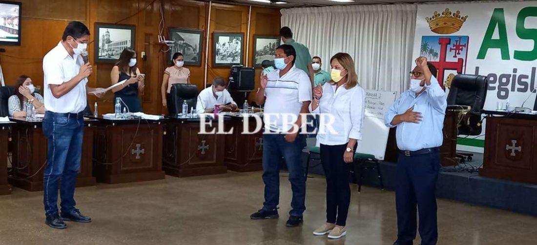 Posesionan a nueva directiva ad hoc de la asamblea departamental. Foto: j. Ibáñez